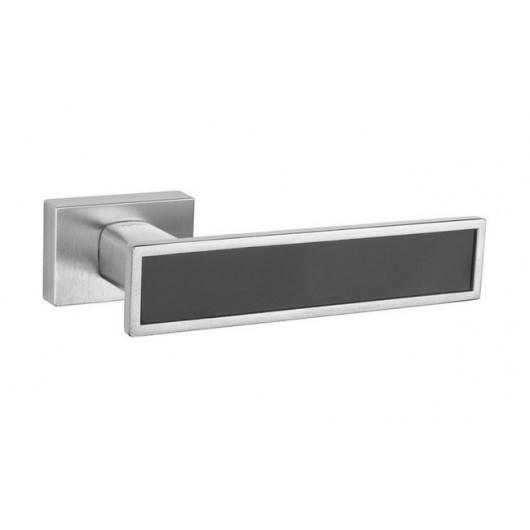 Дверная ручка TUPAI LINA 3 3039CRT Матовый хром, вставка CM черная матовая