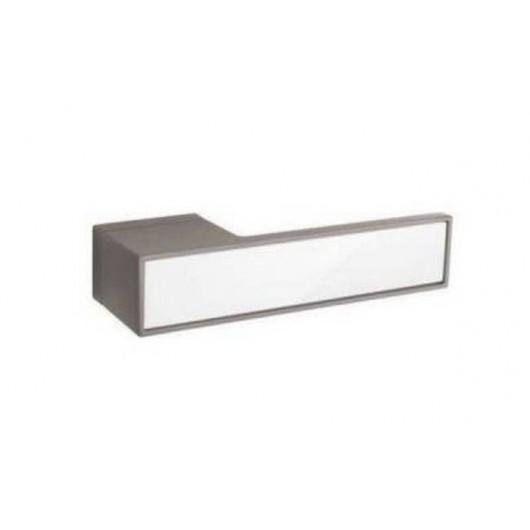 Дверная ручка TUPAI BIG 3084RT Титан, вставка BP белая блестящая