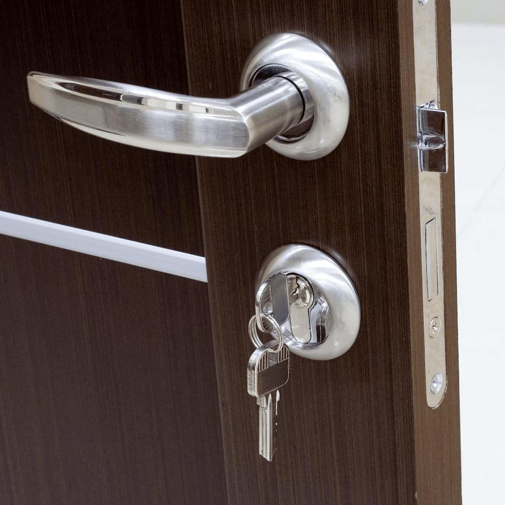 Вторая входная дверь: как обеспечить тепло и шумоизоляцию в доме