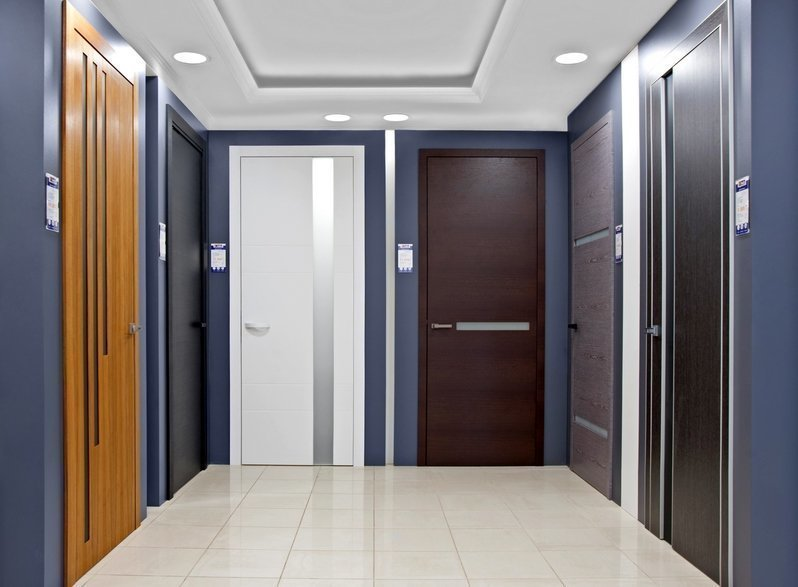 Большой выбор шпонированных дверей, идеально подходящих под любой интерьер