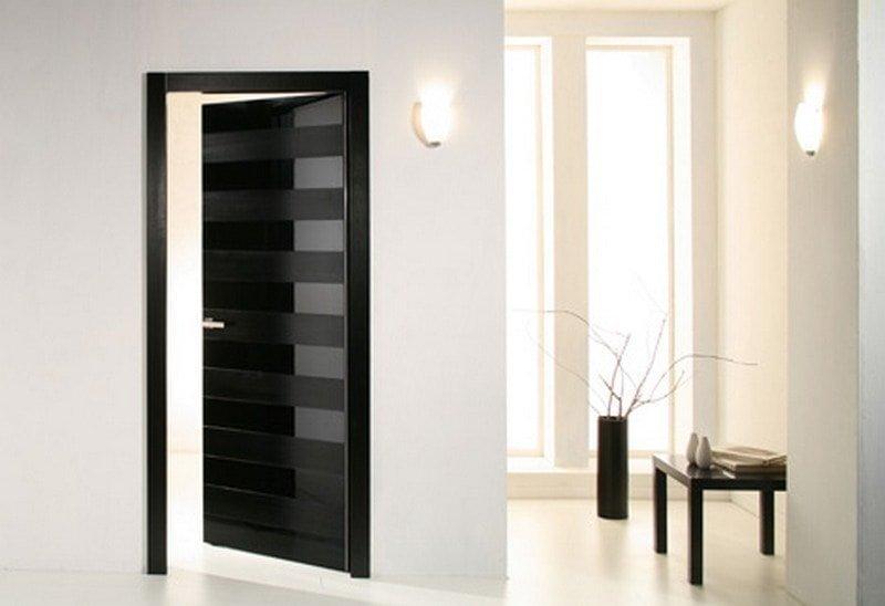 двери в стиле хай-тек